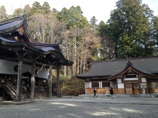 View of the main hall and the shamusho.