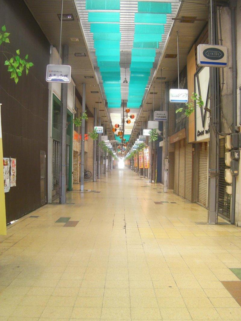 Early morning shopping arcade