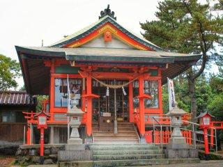 Tsukiyomi-jinja fut déplacé ici après la grande éruption de 1914