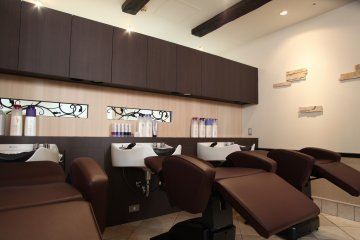 <p>The salon prides itself on its comfortable surroundings</p>