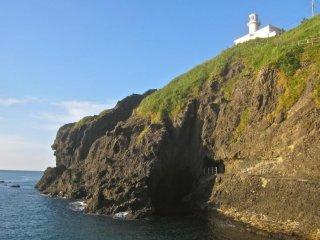Mũi hải đăng Kakuda từ vách đá