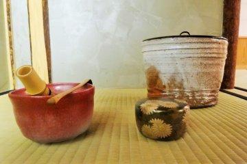 <p>The utensils used in the tea ceremony</p>
