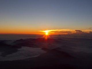 صورة لشروق الشمس.