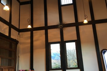 <p>There is a cottage to facilitat seminars and yoga workshops.</p>