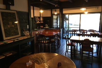 <p>Dining room is in another facility called Seiyoen, which is a separate hotel bu same owner.</p>