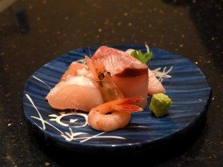 Fresh sliced raw fish assortment (sashimi)