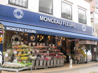 Monceau Fleurs, a French florist shop on relaxing Green Street