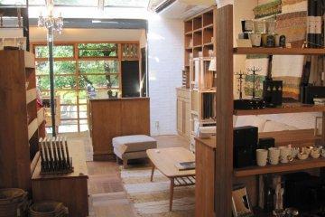 Momo Natural for simple wood furniture