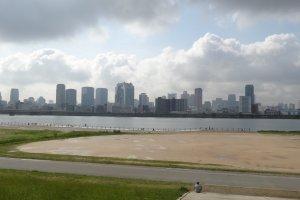 อุเมะดะเป็นแหล่งรวมตึกระฟ้าสวยๆ สูงๆ ของโอซาก้า