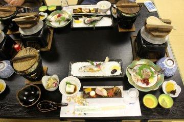 <p>Dinner set</p>