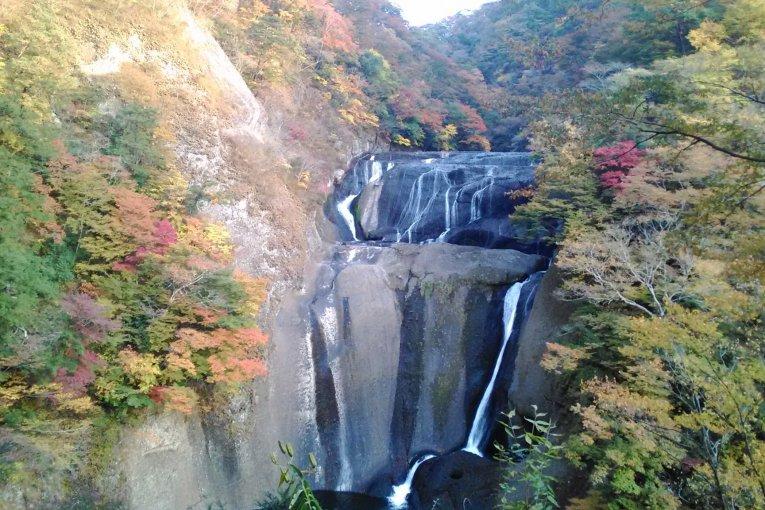 Mùa thu trên thác Fukuroda, Ibaraki