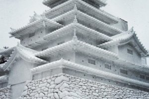 Tsuruga Castle made of snow