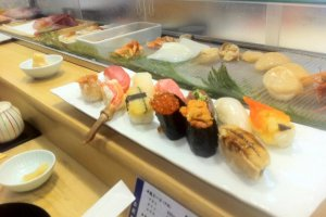 2500 yen sushi platter is a delightful surprise of crabs and other fish you may not have heard of
