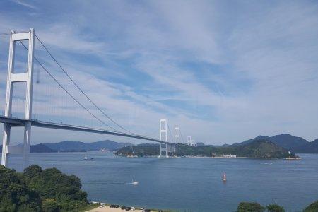 Khung cảnh nhìn từ cầu Kurashima-Kaikyo