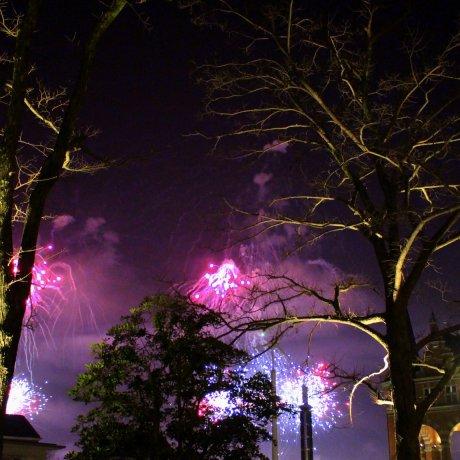 하우스텐보스의 연말 카운트다운 하나비(花火)
