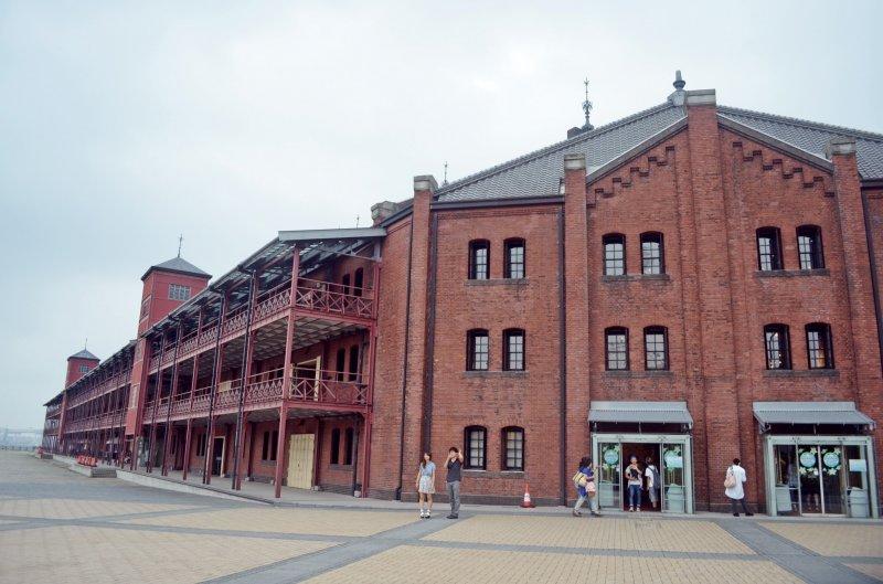<p>Red Brick Warehouse อาคารอิฐแดงอันเก่าแก่สัญลักษณ์คู่เมืองโยโกฮาม่า</p>