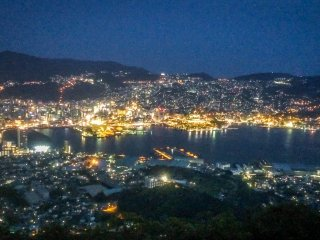 When looking at the spectacular scenery it's not hard to understand why this is considered one of the top three night viewing spots in Japan!