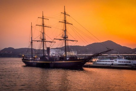 ยามเย็นที่ท่าเรือนางาซากิ