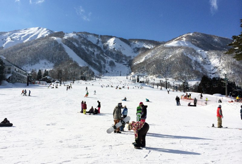 <p>The view from outside Esclar Plaza in Hakuba.&nbsp;</p>