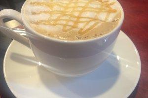 Caramel Latte yang mewah