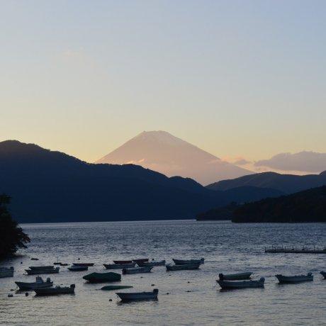 Menyusuri Keindahan Danau Ashi