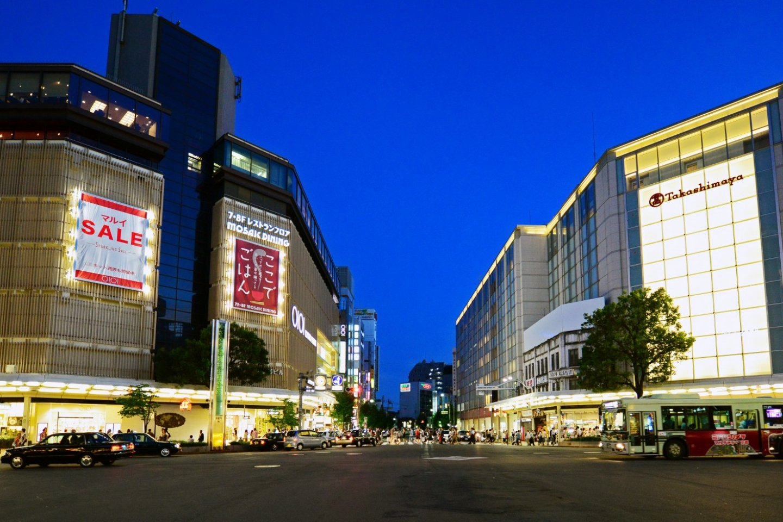 Glittery lights at Takashimaya Department Store Kyoto