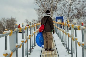 The snow escalators save guests a lot of time and energy.