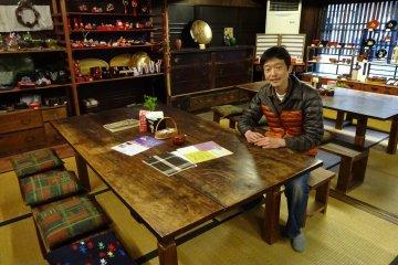 Mr. Ikehara runs the Kuroe Nurimono-kan and also the nearby café and shop Ikeshoo.