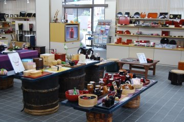 Why not enjoy using lacquerware items in daily life?