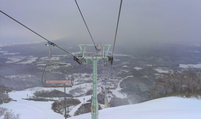 Early season chairlift downloads
