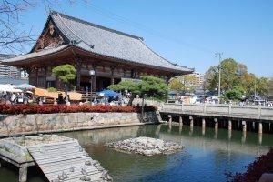 Un des bâtiments de Shitenno-ji