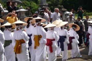 The women reach the Tateyama side of the bridge