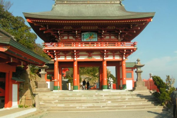 The outer gate of the shrine
