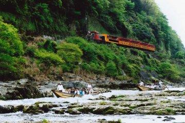 <p>Sagano to Kameoka Torokko Romantic Train</p>