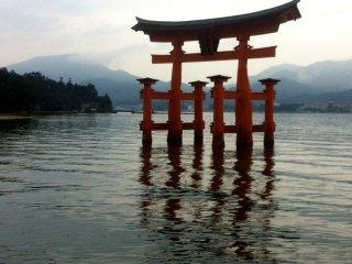 Toriimon gate