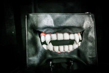 Handmade vampire clutch from MALICIOUS.X