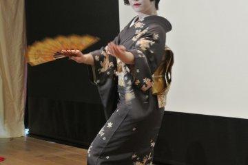 Ozashiki Odori de Geishas à Asakusa
