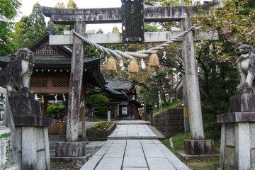 The torii, one of two gates at Miyoshi Shrine