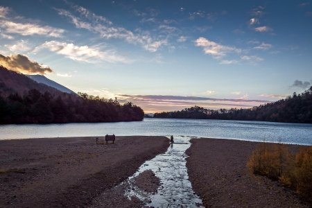 Lumière du Matin au Lac Yunoko