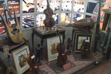 Display of antique instruments