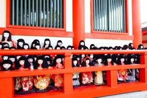 Une présence écrasante et paisible provenant des poupées Ichimatsu