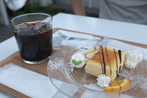 N3331 Cafe Baked Cheesecake and home brewed coffee