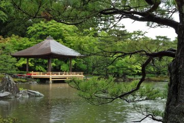 The garden was built by the owner's younger brother, Tokushiro Tamane.