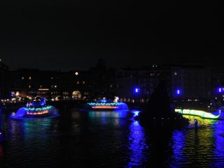 Fantasmic Show looks amazing