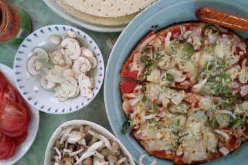 Pizza making activity