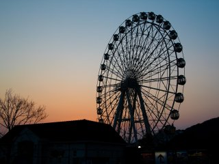 Any ferris wheel and sunset combination makes for a great shot