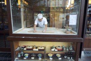 Nagano Restaurant preparing Soba