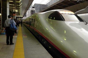 Платформа Тохоку-синкансэн.