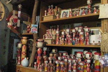 Коллекция кокэси в мастерской