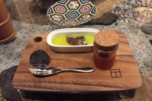 Trip to Sado Island - Sardine in olive oil with diced tomato and black crackers
